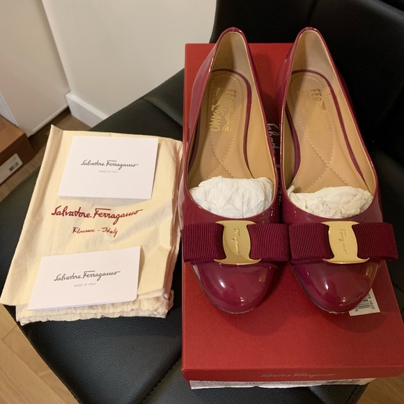Authentic Salvatore Ferragamo Varina Ballet Flat
